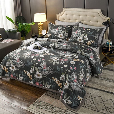 Delicate Floral Design Custom Designer Polyester Gift Blanket