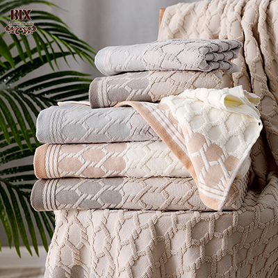 Pure Cotton yarn dye Jacquard  Luxury Border Towel Pineapple Check